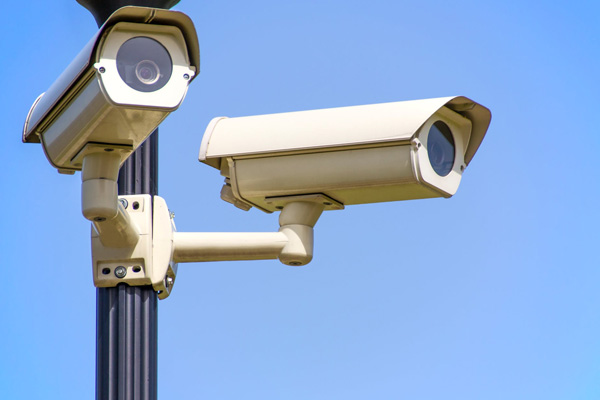 security-cameras-on-pole